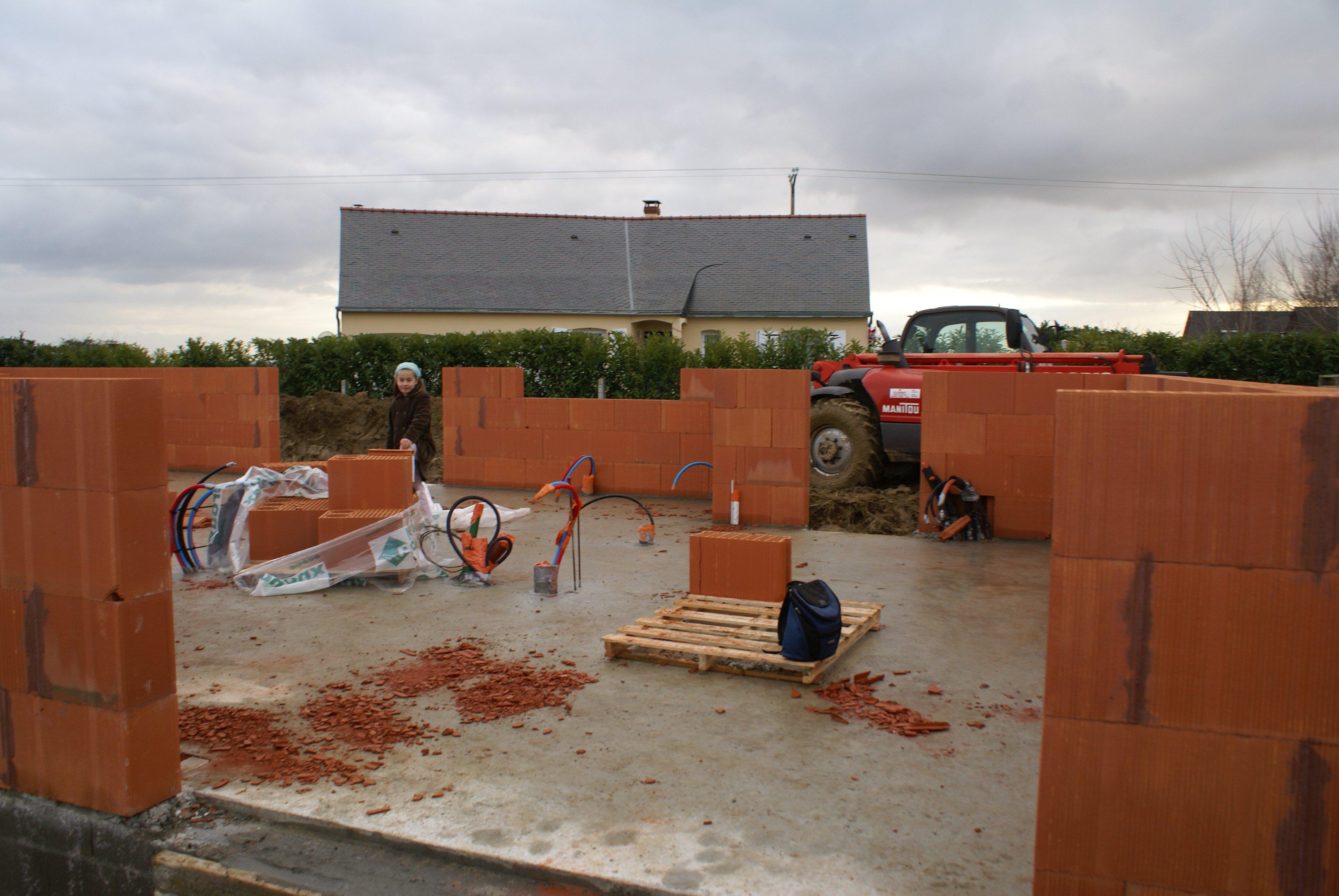 Non class notre maison contemporaine brique bois for Sechage fondation
